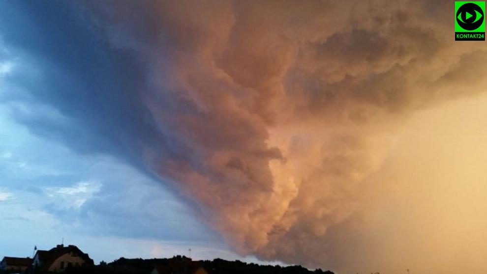 3c77d38075639 Zanim zaczęło padać i grzmieć, mieszkańcy województwa zachodniopomorskiego  mieli w czwartek okazję zobaczyć spektakularne chmury.